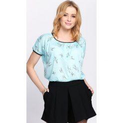 Jasnoniebieski T-shirt Learn To Love Again. Niebieskie bluzki damskie Born2be, l. Za 19,99 zł.