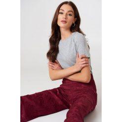 NA-KD Basic T-shirt basic - Grey. Różowe t-shirty damskie marki NA-KD Basic, z bawełny. Za 52,95 zł.