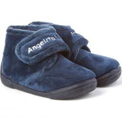 Kapcie w kolorze granatowym. Niebieskie kapcie dziewczęce marki Angelitos. W wyprzedaży za 87,95 zł.