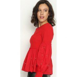 Czerwona Bluzka Puffy. Czerwone bluzki longsleeves Born2be, s, z okrągłym kołnierzem. Za 49,99 zł.
