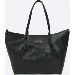 Pierre Cardin - Torebka. Czarne torebki klasyczne damskie Pierre Cardin, w paski, z materiału, duże. W wyprzedaży za 319,90 zł.