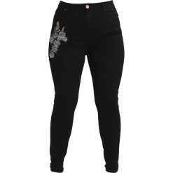 Lost Ink Plus HIGH WAIST WITH BIRD EMBROIDERY Jeans Skinny Fit black. Czarne jeansy damskie marki Lost Ink Plus, z bawełny, z podwyższonym stanem. W wyprzedaży za 199,20 zł.