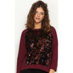 Bordowa Bluza Front Fin. Czerwone bluzy damskie Born2be, uniwersalny, z aplikacjami. Za 79,99 zł.