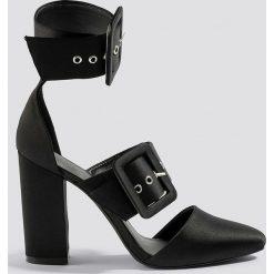 Buty ślubne damskie: NA-KD Shoes Czółenka na słupku z klamrami - Black