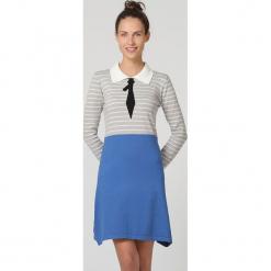 Spódnica w kolorze niebieskim. Niebieskie spódniczki asymetryczne TrakaBarraka, m, midi. W wyprzedaży za 99,95 zł.