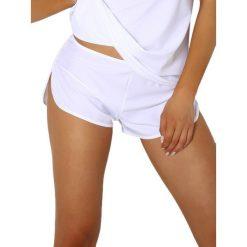 """Szorty piżamowe """"Shila"""" w kolorze białym. Białe szorty damskie Pari Pari, s. W wyprzedaży za 49,95 zł."""