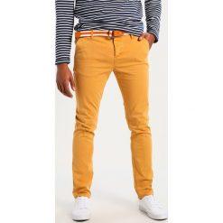 BONOBO Jeans Spodnie materiałowe jaune orange. Brązowe jeansy męskie regular BONOBO Jeans. W wyprzedaży za 167,20 zł.
