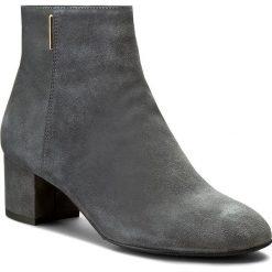 Botki NESSI - 877/N Szary W2. Czarne buty zimowe damskie marki Nessi, z materiału, na obcasie. W wyprzedaży za 259,00 zł.
