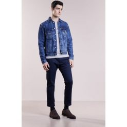 Polo Ralph Lauren ICON TRUCKER Kurtka jeansowa trenton. Niebieskie kurtki męskie jeansowe Polo Ralph Lauren, m. W wyprzedaży za 461,45 zł.