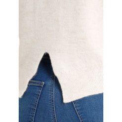 Swetry klasyczne damskie: Topshop Petite CUFF CROP Sweter ivory
