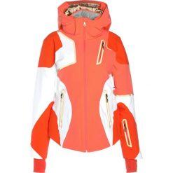 Spyder PANORAMA Kurtka narciarska coral/white/burst. Czerwone kurtki damskie narciarskie Spyder, z elastanu. W wyprzedaży za 1910,35 zł.