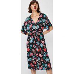 Answear - Sukienka Falling In Autumn. Czarne sukienki na komunię marki Mohito, l, proste. W wyprzedaży za 89,90 zł.