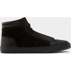 Buty męskie: Czarne botki sportowe z ozdobnym czubkiem