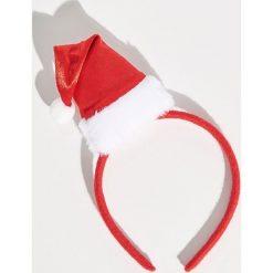 Świąteczna opaska do włosów - Czerwony. Czerwone ozdoby do włosów Sinsay. Za 12,99 zł.