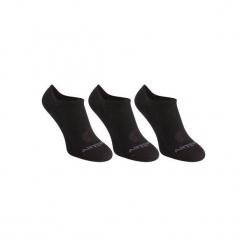 Skarpety sportowe RS160 3 pary. Czarne skarpetki męskie marki ARTENGO, z bawełny. W wyprzedaży za 12,99 zł.