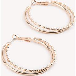 Kolczyki damskie: NA-KD Accessories Kolczyki z podwójnymi kółkami – Gold
