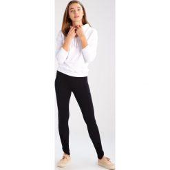 Bluzy damskie: Urban Classics Bluza z kapturem white