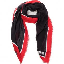 Chusta KARL LAGERFELD - 86KW3314 Black/Red Apple. Czarne chusty damskie KARL LAGERFELD, z kaszmiru. Za 429,00 zł.