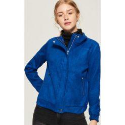 Zamszowa kurtka - Niebieski. Niebieskie kurtki damskie Sinsay, l, z zamszu. Za 119,99 zł.
