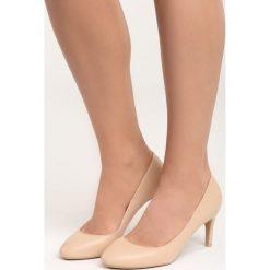 Ciemnobeżowe Czółenka Hold the Time. Brązowe buty ślubne damskie marki Born2be, z okrągłym noskiem, na szpilce. Za 69,99 zł.