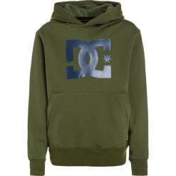 DC Shoes SNOWSTAR YOUTH REGULAR FIT Bluza z kapturem green. Czarne bluzy chłopięce rozpinane marki DC Shoes, z bawełny. W wyprzedaży za 187,85 zł.