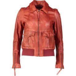 """Bomberki damskie: Skórzana kurtka """"Lovely Girl"""" w kolorze czerwonym"""