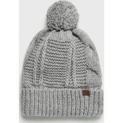 Medicine - Czapka Vintage Revival. Szare czapki zimowe damskie MEDICINE, na zimę, z dzianiny. Za 39,90 zł.