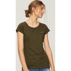 T-shirt z kieszenią - Khaki. Brązowe t-shirty damskie Sinsay, l. Za 14,99 zł.