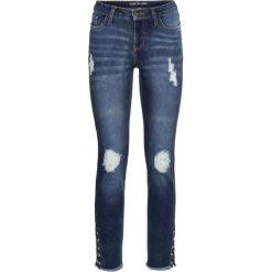 """Dżinsy SKINNY z ćwiekami bonprix niebieski """"stone"""". Niebieskie jeansy damskie skinny marki bonprix, z nadrukiem. Za 79,99 zł."""