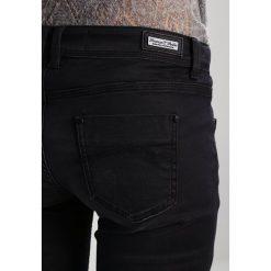Freeman T. Porter CASSY Jeansy Slim Fit farken. Niebieskie jeansy damskie marki Freeman T. Porter. W wyprzedaży za 293,30 zł.