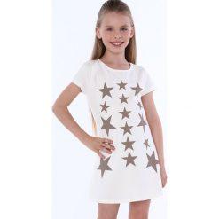 Sukienka dziewczęca w gwiazdki kremowa NDZ8244. Szare sukienki dziewczęce marki Fasardi. Za 49,00 zł.