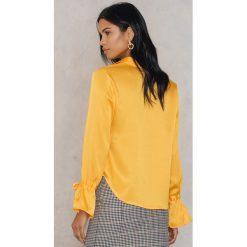 Rut&Circle Plisowana koszula Maci - Yellow. Żółte koszule wiązane damskie Rut&Circle, z poliesteru, z długim rękawem. Za 121,95 zł.