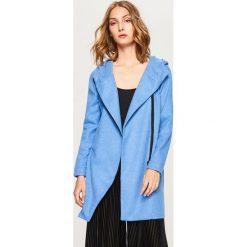 Sweter zapinany na zamek - Niebieski. Niebieskie swetry rozpinane damskie marki Reserved, l. W wyprzedaży za 59,99 zł.