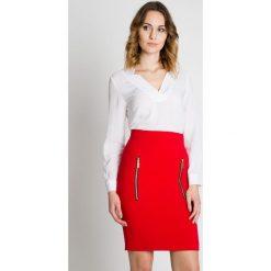 Czerwona ołówkowa spódnica  BIALCON. Czerwone minispódniczki marki BIALCON, eleganckie, z podwyższonym stanem, ołówkowe. W wyprzedaży za 153,00 zł.