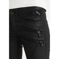 Replay PANTS Jeans Skinny Fit coated denim. Niebieskie jeansy damskie relaxed fit marki Replay. Za 659,00 zł.
