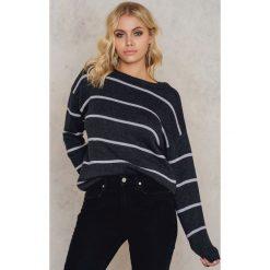 Paski damskie: NA-KD Dzianinowy sweter w paski – Grey,Multicolor