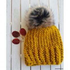 CZAPKA HANDMADE yellow. Niebieskie czapki zimowe damskie marki WED'ZE, z materiału. Za 149,00 zł.
