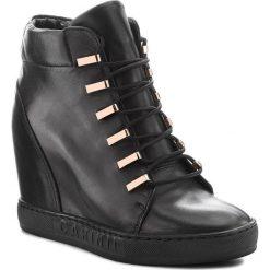 Sneakersy CARINII - B4516 E50-000-000-B88. Czarne sneakersy damskie Carinii, z materiału. W wyprzedaży za 319,00 zł.