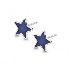 Srebrne kolczyki. Niebieskie kolczyki damskie YES, srebrne. W wyprzedaży za 49,95 zł.