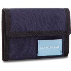 Duży Portfel Męski CALVIN KLEIN JEANS - Sp Essential + Canvas Billfold K40K400841 453. Niebieskie portfele męskie marki Calvin Klein Jeans, z jeansu. Za 179,00 zł.
