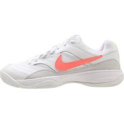Buty do tenisu damskie: Nike Performance COURT LITE Obuwie multicourt white/lava glow/vast grey