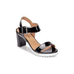 Sandały Betty London  EJONA. Czarne sandały damskie marki Betty London. Za 335,20 zł.
