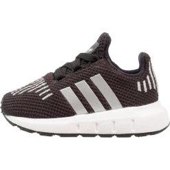 Adidas Originals SWIFT RUN Tenisówki i Trampki core black/silver metallic/footwear white. Czarne tenisówki męskie marki adidas Originals, z materiału. Za 229,00 zł.