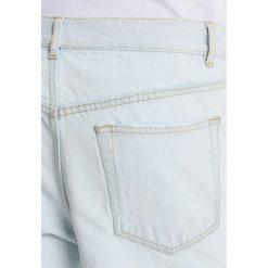 Hope FLASH DENIM Jeansy Relaxed Fit light bleach. Białe jeansy męskie relaxed fit marki Hope. W wyprzedaży za 549,00 zł.