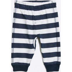 Blukids - Spodnie dziecięce (2-pack). Szare spodnie chłopięce Blukids, z bawełny. W wyprzedaży za 34,90 zł.