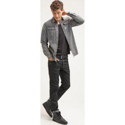 GStar 3301 STRAIGHT Jeansy Straight Leg black pintt stretch denim. Białe jeansy męskie marki G-Star, z nadrukiem. Za 469,00 zł.