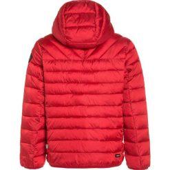 Napapijri AERONS 1 Kurtka zimowa sparkling red. Czerwone kurtki chłopięce zimowe marki Napapijri, z materiału. W wyprzedaży za 471,75 zł.