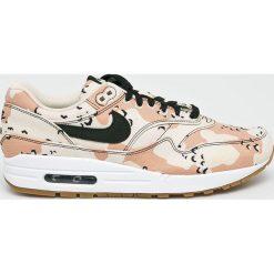 Nike Sportswear - Buty Air Max 1 Premium. Szare buty skate męskie Nike Sportswear, z materiału, na sznurówki. W wyprzedaży za 499,90 zł.