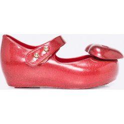 Melissa - Baleriny dziecięce Ultragirl Heart. Czerwone meliski damskie marki Melissa, z kauczuku. W wyprzedaży za 159,90 zł.