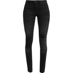 Lee JODEE Jeans Skinny Fit black. Czarne rurki damskie Lee. W wyprzedaży za 359,10 zł.